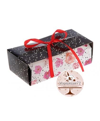 """Коробка для сладостей """"Цветы на белом"""""""